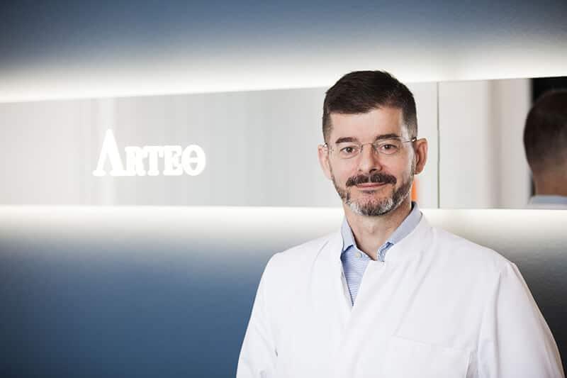 Dr. Alt - plastischer Chirurg in Düsseldorf