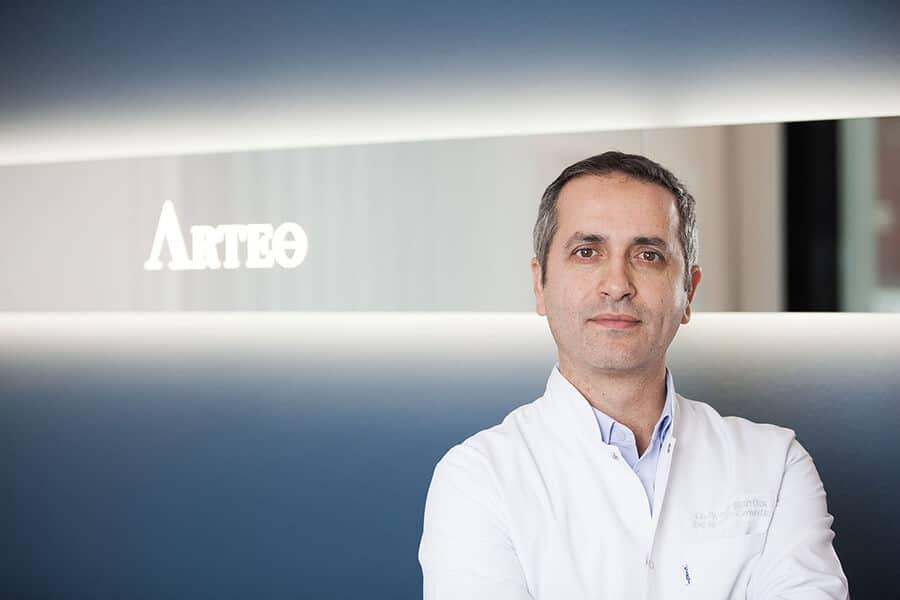Dr. med. Mehmet Akbas Facharzt für Plastische und Ästhetische Chirurgie in Düsseldorf